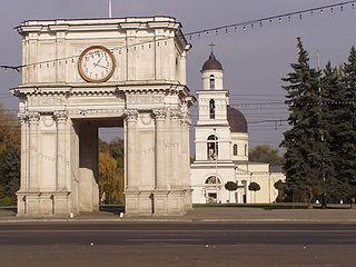 Chisinau-arc-bell-tower