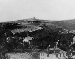 Banning House sulla cima della collina di Fort Moore, 1887.