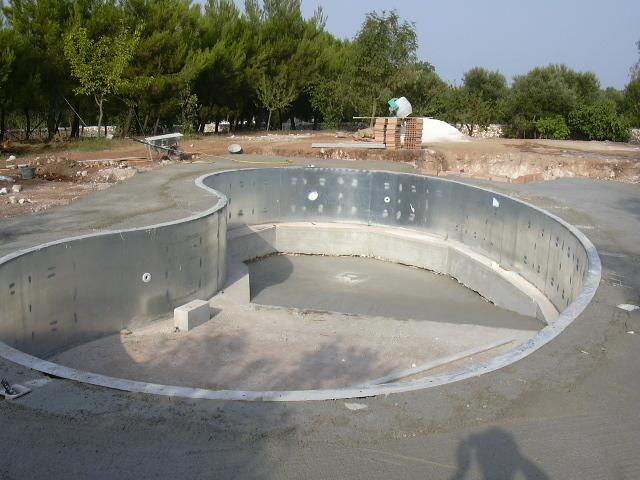 Realizzazione piscina, Piscina a fagiolo - Laqua sas