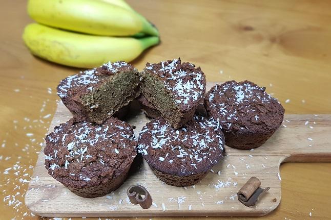 Paleo-magdalenas de plátano y coco