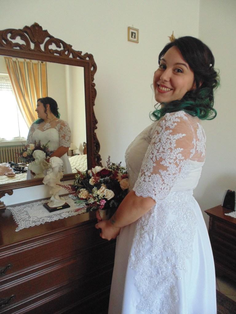 abito da sposa in pizzo curvy