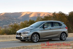 bmw-serie-2-active-tourer-laterale