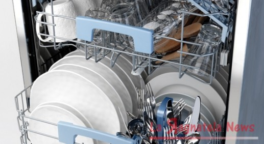 Sale per lavastoviglie basta quello grosso da cucina for Cucinare nella lavastoviglie