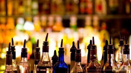 L'alcol provoca il tumore: scoperto il legame. Alto rischio per i giovani