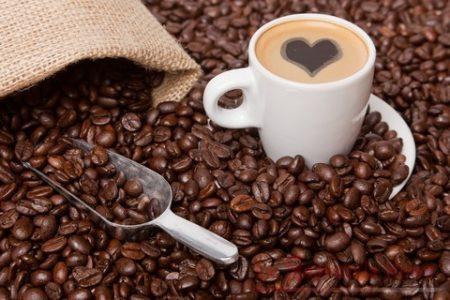 Salute: lo studio, troppa caffeina per gli adolescenti italiani