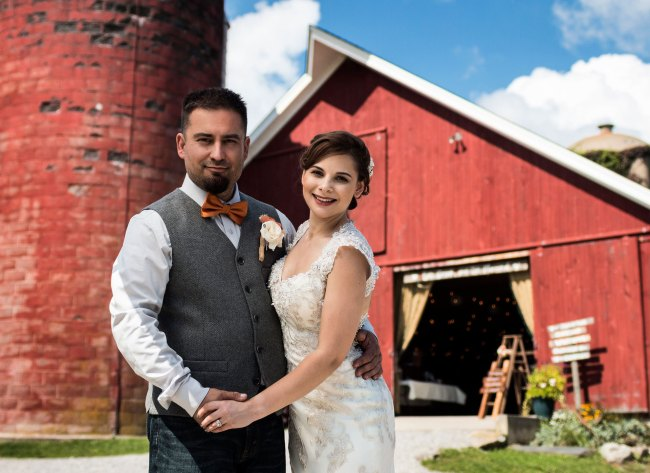wedding at red barn in Litchfield Connecticut
