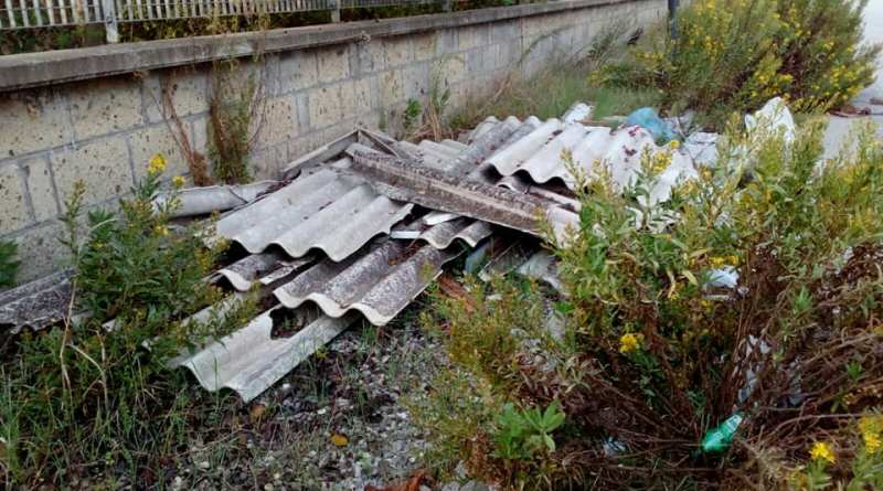 Villa Literno. Amianto e carcasse di mezzi: blitz dei volontari DEA
