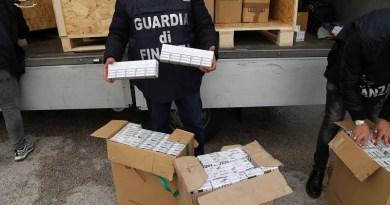 (VIDEO) Afragola. GdF Napoli sequestra 5 quintali di sigarette di contrabbando