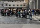Aversa. Doppi turni alla Linguiti, protesta genitori in Piazza Municipio
