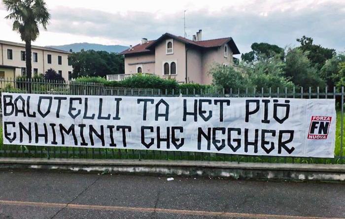 Striscione di Forza Nuova contro Balotelli a Brescia