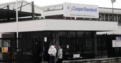 """Oliveto Citra. La Cooper Standard licenzia 95 operai, Potere al Popolo: """"No alla delocalizzazione"""""""