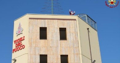 Salerno. Domenica decima edizione del Babbo Natale dal cielo organizzato dai Vigili Fuoco