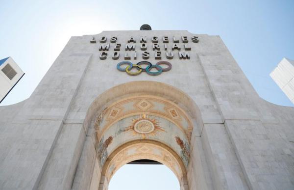 The Coliseum tog sig godt ud som ramme for en NFL-kamp igen photo credit: www.therams.com)