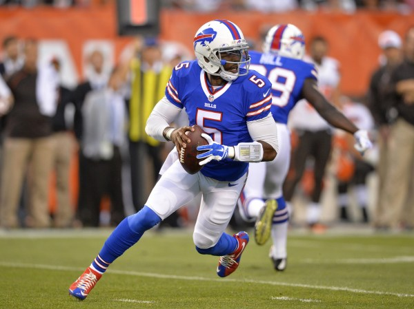 Bills QB #5 Tyrod Taylor photo credit: David Richard / AP Photo)