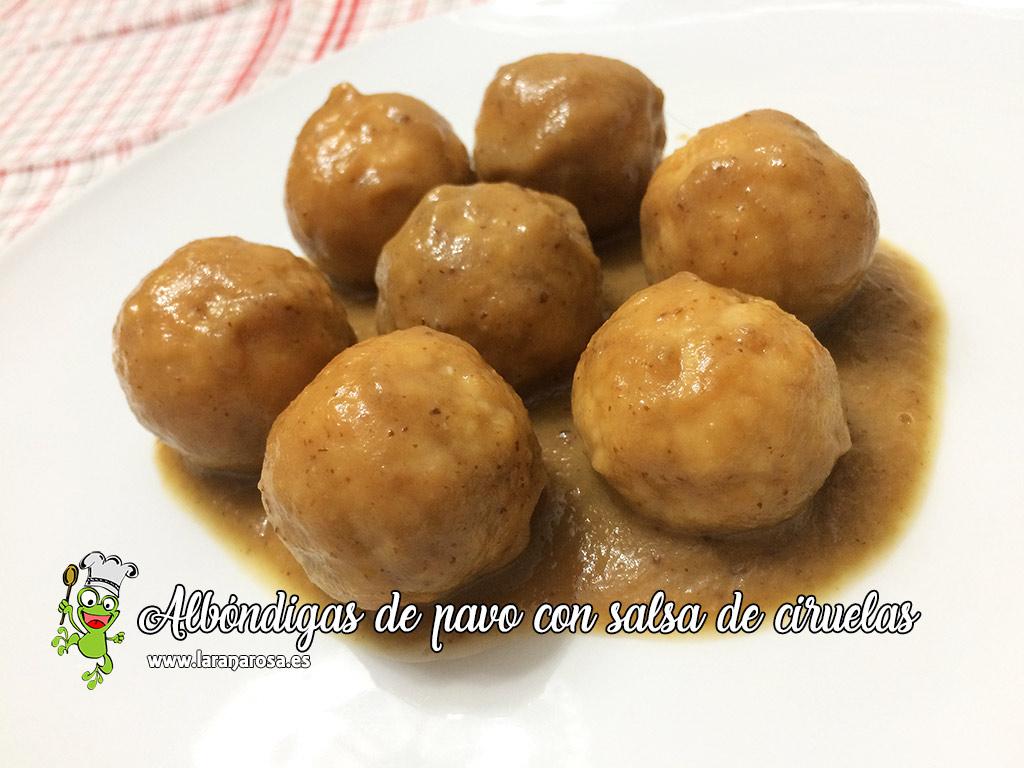 Albóndigas de pavo con salsa de ciruelas