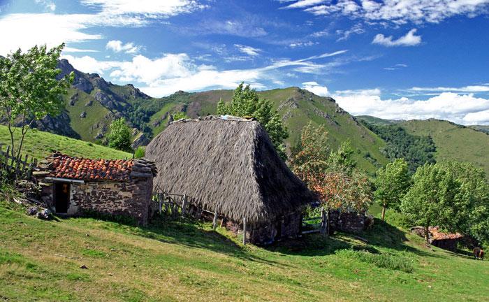 Alojamiento rural ideal para dormir cerca del Parque Natural Ubiñas La Mesa, Teverga, Asturias