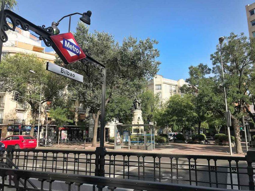 Entrada Metro de Madrid 01