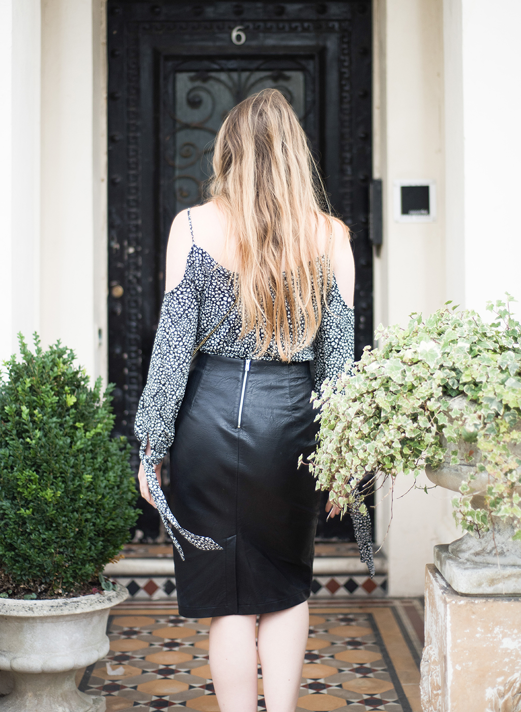 faux-leather-skirt-zara-21