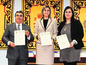 Jesús Navarro, Patricia Fernández y Lourdes Cano.