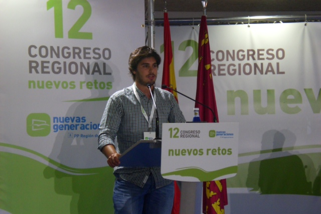 Luis Fernando Ruiz durante la presentación de su candidatura