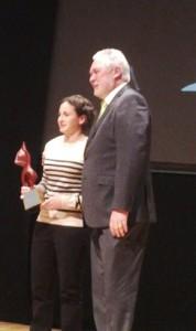 José Soria, alcalde de Cehegín entrega el premio a Ana Carrasco