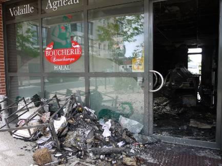 La boucherie halal a entièrement brûlé, aucun blessé n'est à déplorer. - Kowalski Jean