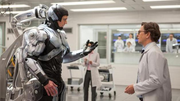 robocop-2014-movie-review-20
