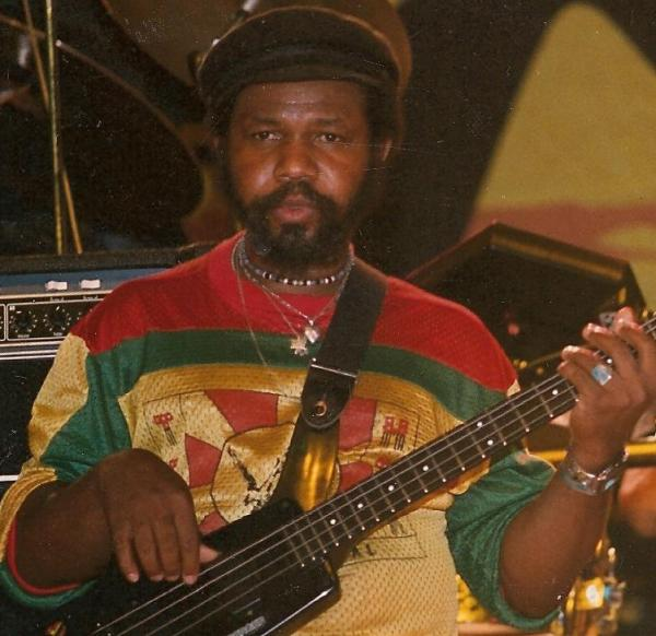 george-fully-fullwood-bass