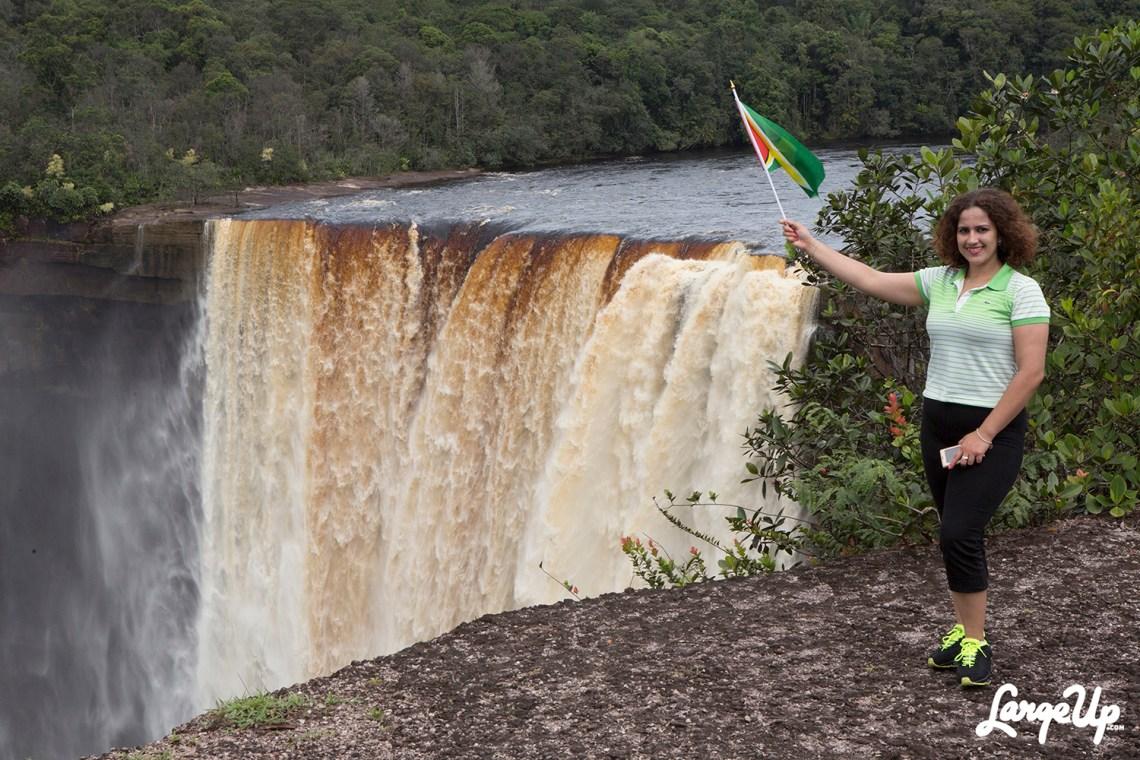 guyana-flag-kaieteur-falls