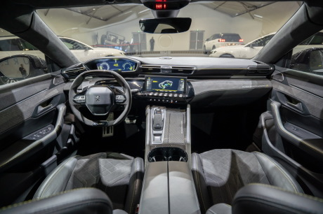 peugeot 508 hybrid R 350 ch cockpit