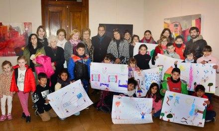 Llamosas narró una historia a los niños que asisten al Ex Matadero