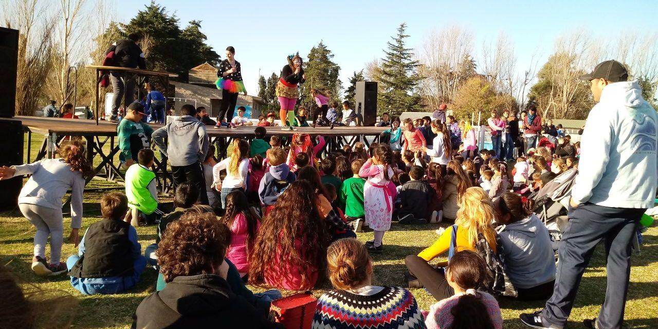 Más de 200 niños festejaron su día en Las Higueras