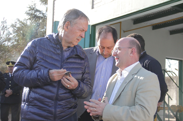 Schiaretti visitó la obra de gas en General Cabrera