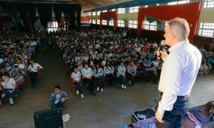 """""""Para vos, Por vos"""": el desafío de formar líderes juveniles"""