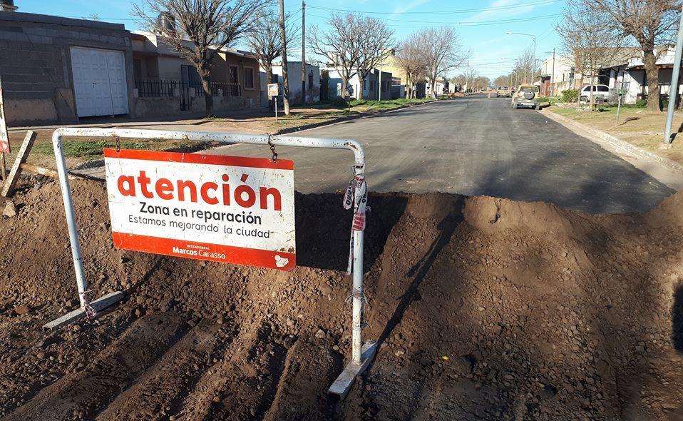 Avanza la pavimentación de siete cuadras en Cabrera