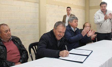 Schiaretti firmó convenio por obras de infraestructura eléctrica en Lutti