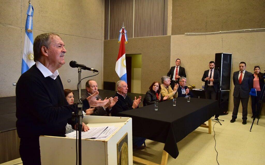 Coronel Moldes: firma de convenio de agua potable