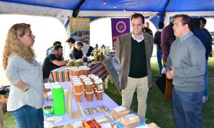 La Feria Barrial de Alimentos presente en la Feria del Libro
