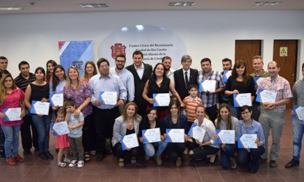 Se entregaron certificados tras la finalización de la Cátedra Abierta Pyme