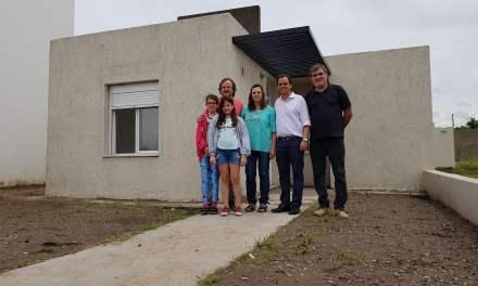 Llamosas entregó la 200° vivienda del Plan Municipal