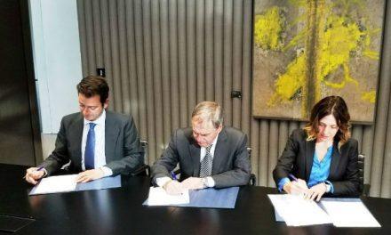 Schiaretti firmó un convenio con el Banco BBVA en Madrid