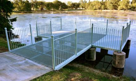 Puesta en valor del Lago Villa Dalcar: finalizó la construcción del muelle