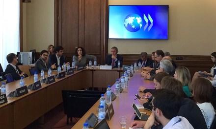 Schiaretti presentó su plan de gobierno en la OCDE