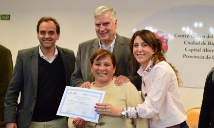 Río Cuarto: Más de 620 mil pesos en microcréditos del Banco de la Gente