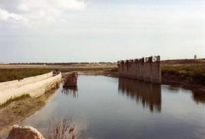 Strutture, completate ed abbandonate, dello stadio in muratura alla Salinella