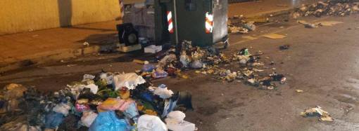 Taranto, nella follia di San Silvestro bruciati 75 cassonetti