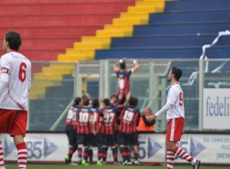 Il Taranto strappa applausi e guadagna terreno…