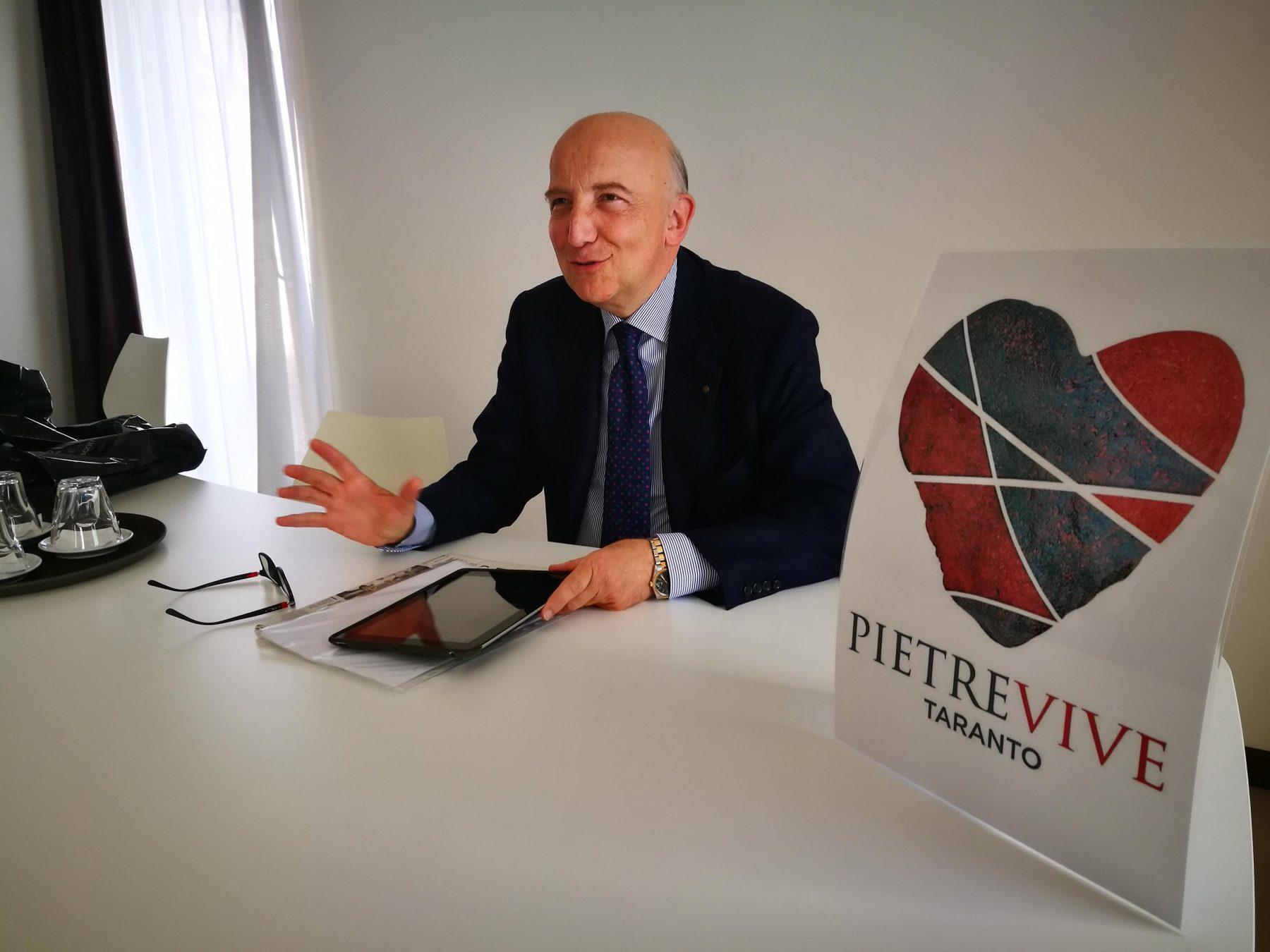 https://i2.wp.com/www.laringhiera.net/wp-content/uploads/2018/01/Luigi-Romandini-con-logo-Pietre-Vive-e1515230993991.jpg