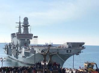 Cavour, il video del suo ingresso a Taranto