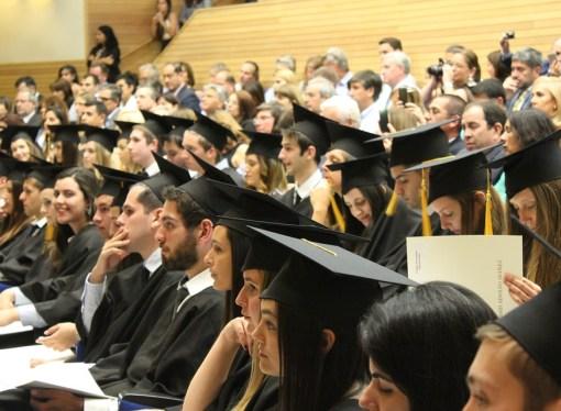 Università, i giovani pugliesi migrano altrove